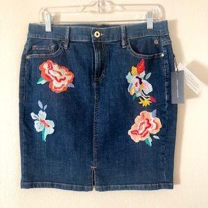 TOMMY HILFIGER Floral Embroidered Pencil Skirt